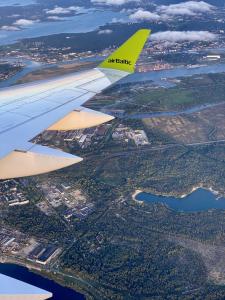 In der Luft mit der airBaltik (Zürich-Riga-Vilnius)