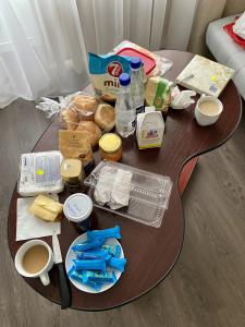 Hotelzimmer, unserCovid19 kontaktfreies Frühstück (Elena Stepanez)